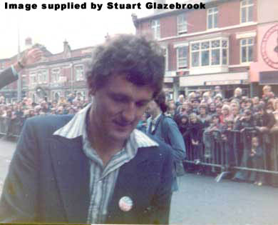 Ian Marter Signs Autographs in 1976